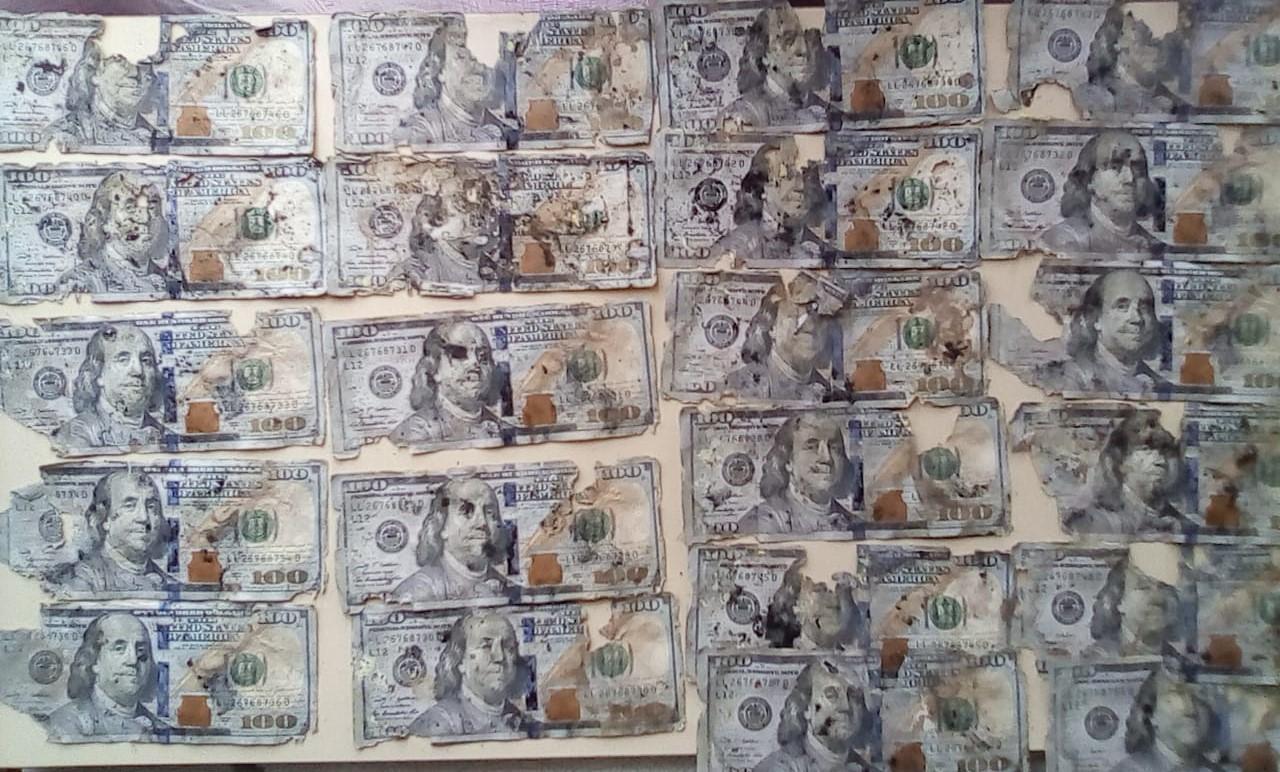 Где обменять доллары в ветхом состоянии Где поменять испорченные доллары Какие банки принимают ветхие доллары Где обменять старые доллары